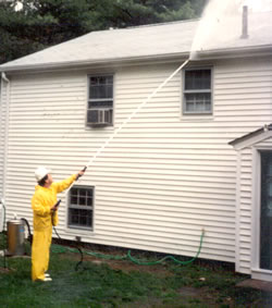 cleaning aluminum or vinyl siding mobile power wash of new england